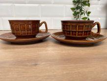 Duo de tasses à chocolat et leur sous-tasses