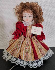 Belle poupée porcelaibe bisquit Capodimonte.Vintage