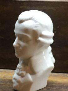 Buste de Mozart en biscuit