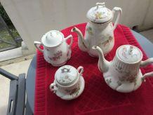 Service à café ancien en porcelaine