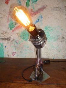 LAMPE - V 6 - DESIGN INDUSTRIEL