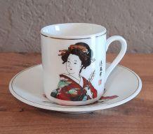 6 tasses à café et soucoupes, porcelaine Chine, Geisha