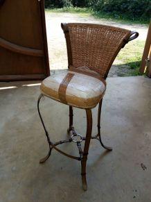 Vend 2 très élégantes chaises de bar gros coton,métal,osier