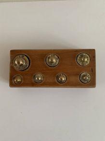 Boîte en bois de poids en laiton (7 pièces)