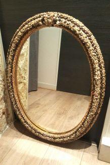 Grand miroir ovale en coquillages