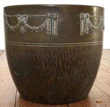 cache pot en métal type laiton