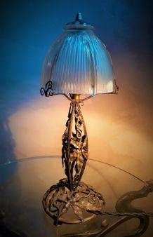 lampe fer forgé dans le style edgar brandt ,paul kiss ,non s