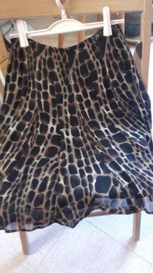 "jupe  courte ample doublée motif ""girafe"" T. 1"