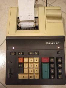 Calculatrice Triumph 121P. Fonctionnelle
