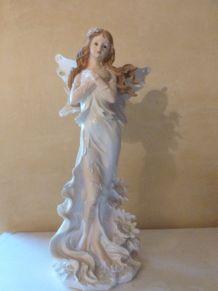 Statuette fée blanche 30 cm