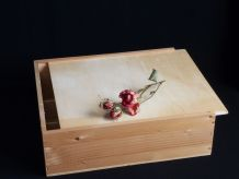 Ancienne caisse à vins en bois, petit coffre en bois.