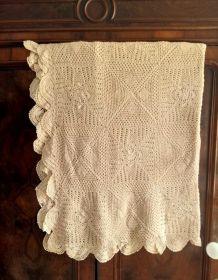 Ancienne nappe au crochet fait main (coton)