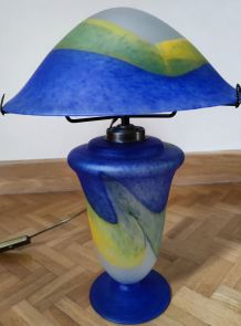 Très belle lampe en pâte de verre Vincent Cadeaux