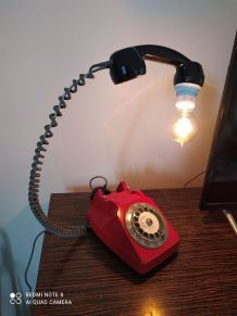 Original et unique lampe sur base d un ancien téléphone