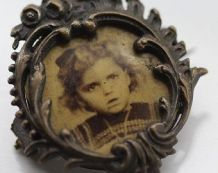 Broche vintage porte photo