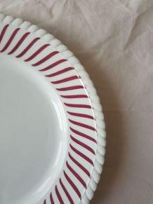 6 assiettes plates anciennes vintage bord cannelé bordeaux