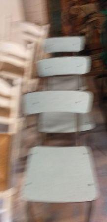 Chaises  en formica  verte