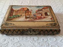 Ancienne boîte à biscuits