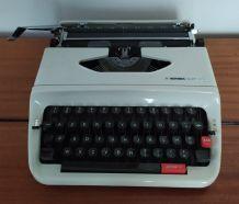 Machine a écrire des années 70 Hermes baby S en bon état