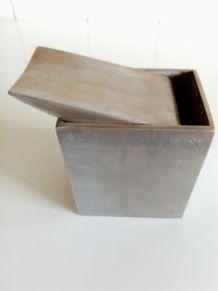 Cendrier Philippe Starck en fonte d'aluminium, à ail