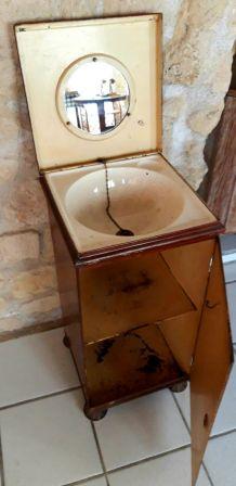 Meuble toilette de bâteau