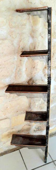 Etagère métal perforé