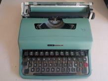 Machine à écrire Olivetti Lettera 32 années 60