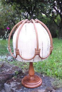 Jolie lampe vintage (rotin et tissu) - Années 60