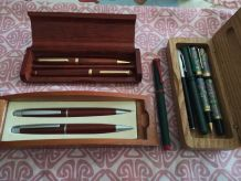 lot de Coffrets stylos divers
