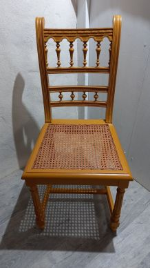 Chaise jaune cannage