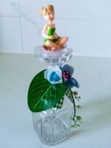 Carafe carrée en verre cristallin, bouchon dépoli orné