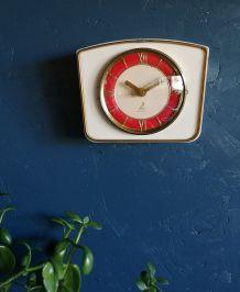 """Horloge vintage pendule murale silencieuse """"Jaz crème rouge"""""""
