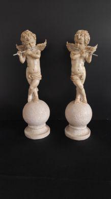 statuettes d'angelot à flûte
