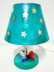 Lampe Playmobil de chevet fusée et astronaute, étoiles dorée