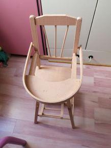 Petite chaise vintage rose vielli