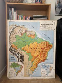 Carte scolaire ancienne Brésil / Canada