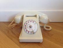 Telephone Vintage bakelite