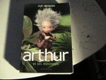 4 tome de la saga Arthur et les minimoys