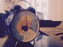 Grosse horloge réveil bleu Simpson