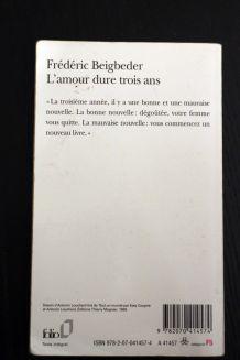 """Livre d'occasion """"L'amour dure trois ans"""" de Frédéric Beigbeder"""