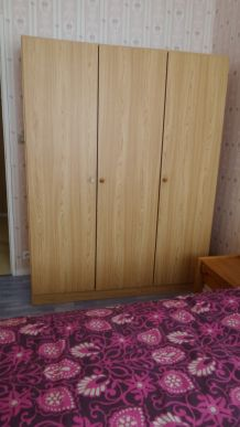 """Chambre à coucher """"couleur chêne clair"""""""