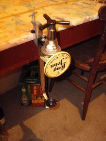 Ancien distributeur de boisson de bar pub long john