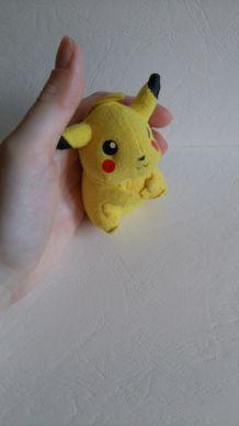 Mini Peluche Pikachu