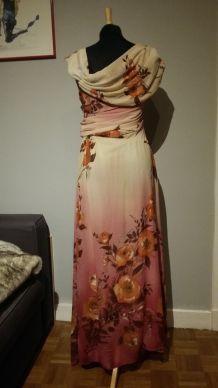 Superbe robe fluide asymétrique en mousseline rose - T.38