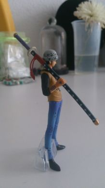 Figurine One piece Trafalgar pas cher