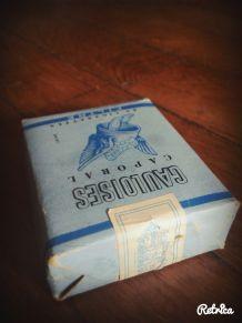 Cigarette gauloises