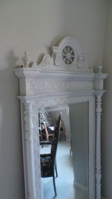 Miroir de syle ancien blanc cassé patiné