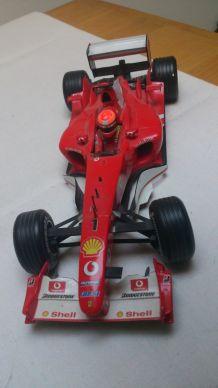Voiture Ferrari miniature de collection