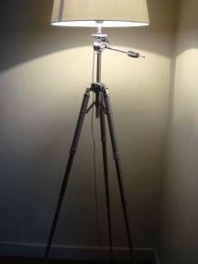 lampadaire créé sur 1 ancien trépied photo entièrement chromé