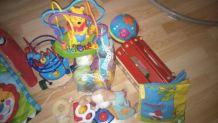 Tapis d'éveil fisher price + jouets d'éveil